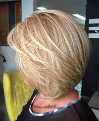 10-blonde-layered-bob