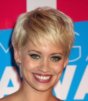 short-hairstyles-for-women-over-50-with-fine-thin-hair-1